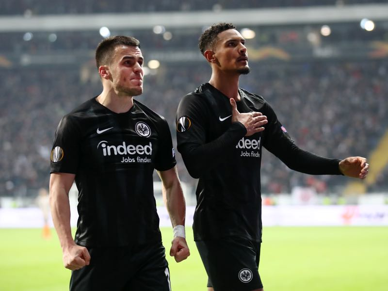 Eintracht Frankfurt v Shakhtar Donetsk - Sebastien Haller of Eintracht Frankfurt celebrates with teammates after scoring his team's second goal during the UEFA Europa League Round of 32 Second Leg match between Eintracht Frankfurt and Shakhtar Donetsk at Commerzbank-Arena on February 21, 2019 in Frankfurt am Main, Germany. (Photo by Alex Grimm/Getty Images)