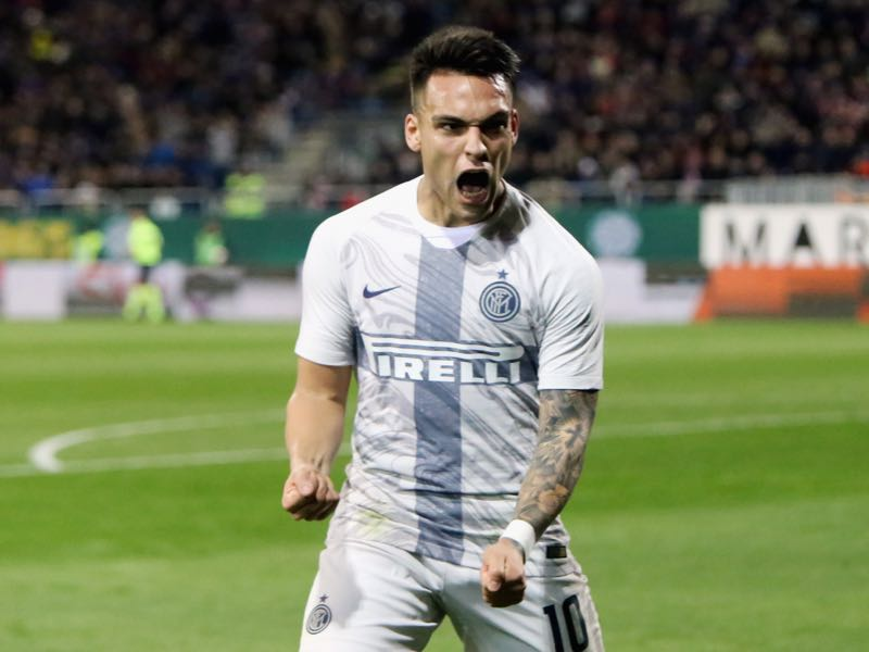 Lautaro Martinez of Inter celebrates his goal 1-1 during the Serie A match between Cagliari and FC Internazionale at Sardegna Arena on March 1, 2019 in Cagliari, Italy. (Photo by Enrico Locci/Getty Images)