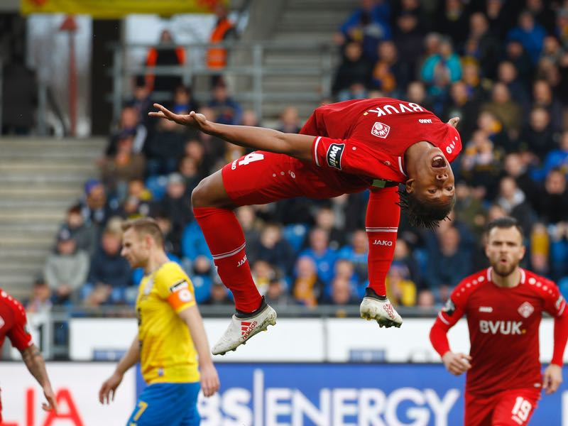 Caniggia Elva of Wuerzburg celebrate the Goal 0:1 for Wuerzburgm during the 3. Liga match between Eintracht Braunschweig and FC Wuerzburger Kickers at Eintracht Stadion on March 9, 2019 in Braunschweig, Germany. (Photo by Joachim Sielski/Bongarts/Getty Images)