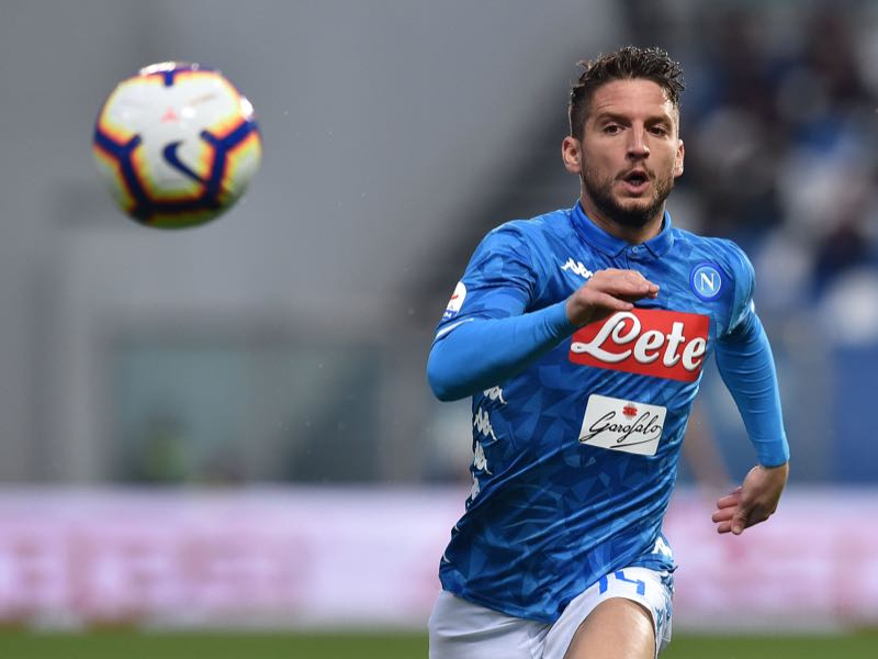 ries Mertens of SSC Napoli in action during the Serie A match between US Sassuolo and SSC Napoli at Mapei Stadium - Citta' del Tricolore on March 10, 2019 in Reggio nell'Emilia, Italy. (Photo by Giuseppe Bellini/Getty Images)