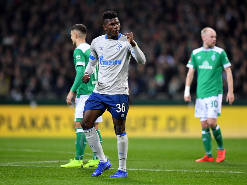 Werder v Schalke - Breel Embolo of Schalke celebrates after he scores the opening goal during the Bundesliga match between SV Werder Bremen and FC Schalke 04 at Weserstadion on March 08, 2019 in Bremen, Germany. (Photo by Stuart Franklin/Bongarts/Getty Images)