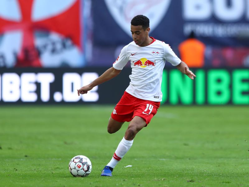 Leipzig v Augsburg - Tyler Adams of RB Leipzig passes the ball during the Bundesliga match between RB Leipzig and FC Augsburg at Red Bull Arena on March 09, 2019 in Leipzig, Germany. (Photo by Martin Rose/Bongarts/Getty Images)