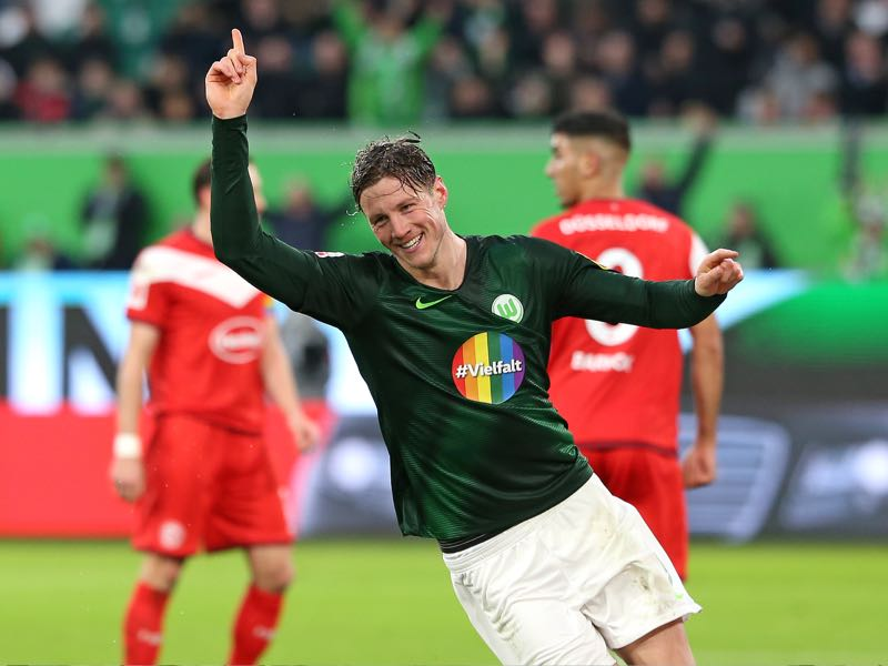 Wout Weghorst of VfL Wolfsburg celebrates after scoring during the Bundesliga match between VfL Wolfsburg and Fortuna Duesseldorf at Volkswagen Arena on March 16, 2019 in Wolfsburg, Germany. (Photo by Cathrin Mueller/Bongarts/Getty Images)