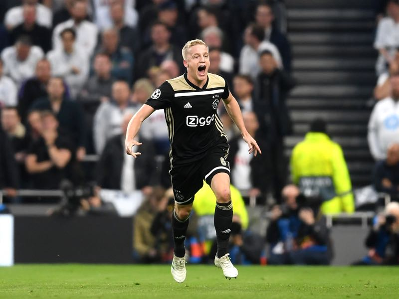 Tottenham v Ajax - Donny van de Beek of Ajax celebrates as he scores his team's first goal during the UEFA Champions League Semi Final first leg match between Tottenham Hotspur and Ajax at at the Tottenham Hotspur Stadium on April 30, 2019 in London, England. (Photo by Laurence Griffiths/Getty Images)