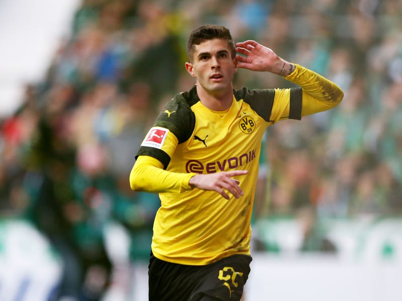 Werder v Borussia Dortmund - Christian Pulisic of Borussia Dortmund celebrates scoring the opening goal during the Bundesliga match between SV Werder Bremen and Borussia Dortmund at Weserstadion on May 04, 2019 in Bremen, Germany. (Photo by Martin Rose/Bongarts/Getty Images)