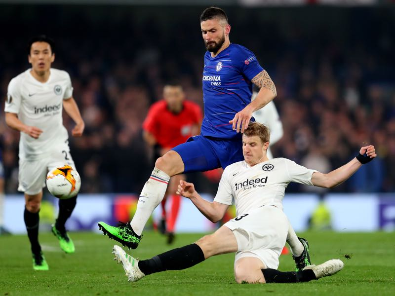 Chelsea v Eintracht Frankfurt - Olivier Giroud of Chelsea is tackled by Martin Hinteregger of Eintracht Frankfurt during the UEFA Europa League Semi Final Second Leg match between Chelsea and Eintracht Frankfurt at Stamford Bridge on May 09, 2019 in London, England. (Photo by Catherine Ivill/Getty Images)