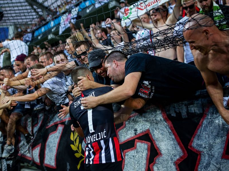 Fans thank Dejan Joveljic of Eintracht Frankfurt for scoring the winning goal during the UEFA Europa League Second Qualifying Round 1st Leg match between FC Flora Tallinn and Eintracht Frankfurt at A Le Coq Arena on July 25, 2019 in Tallinn, Estonia. (Photo by Joosep Martinson/Getty Images)