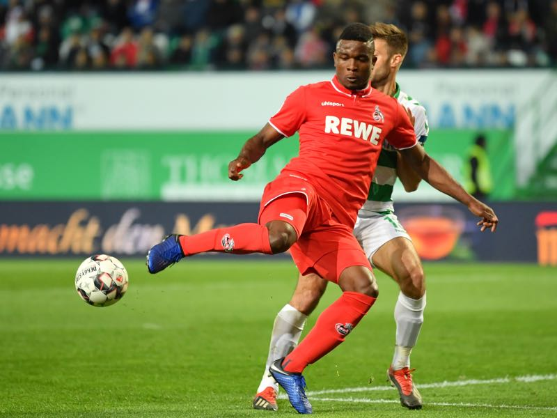Jhon Cordoba of Koeln and Marco Caligiuri of Fuerth compete for the ball during the Second Bundesliga match between SpVgg Greuther Fuerth and 1. FC Koeln at Sportpark Ronhof Thomas Sommer on May 06, 2019 in Fuerth, Germany. (Photo by Sebastian Widmann/Bongarts/Getty Images)
