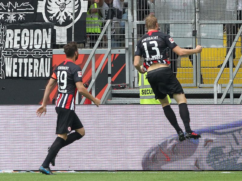 Eintracht Frankfurt v Hoffenheim - Frankfurt's Austrian defender Martin Hinteregger (R) celebrates scoring 1-0 during the German first division Bundesliga football match Eintracht Frankfurt v TSG 1899 Hoffenheim on August 18, 2019 in Frankfurt am Main, western Germany. (Photo by Daniel ROLAND / AFP)
