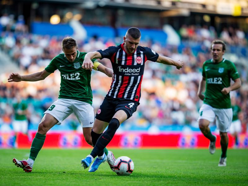Gert Kams of FC Flora Tallinn competes with Ante Rebic of Eintracht Frankfurt during the UEFA Europa League Second Qualifying Round 1st Leg match between FC Flora Tallinn and Eintracht Frankfurt at A Le Coq Arena on July 25, 2019 in Tallinn, Estonia. (Photo by Joosep Martinson/Getty Images)