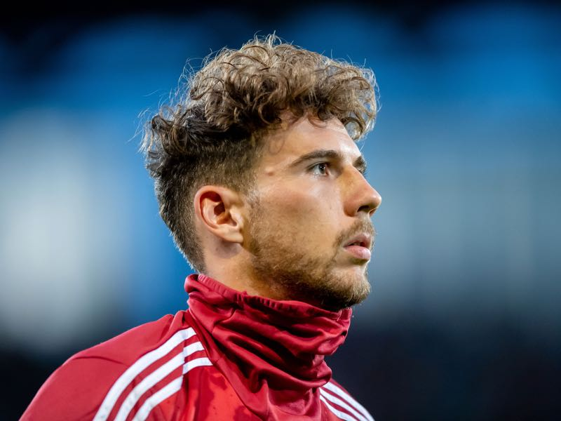 Leon Goretzka of Muenchen reacts prior the DFB Cup first round match between Energie Cottbus and FC Bayern Muenchen at Stadion der Freundschaft on August 12, 2019 in Cottbus, Germany. (Photo by Thomas Eisenhuth/Bongarts/Getty Images)