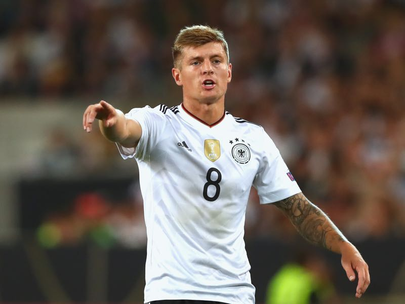 Toni Kroos is a leader for die Mannschaft. (Photo by Alexander Hassenstein/Bongarts/Getty Images)